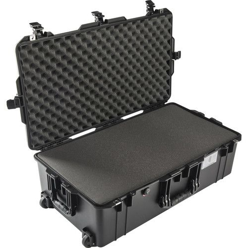Pelican 1615 Large Wheeled Air Case With Foam 1615AIRB Pelican 437.600000